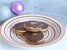 Orechové kolieska Sweet Desserts, Cake Recipes, Cheesecake, Breakfast, Cookies, Foods, Drink, Morning Coffee, Crack Crackers