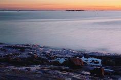 . . . #liuskasaari #uunisaari #myhelsinki #helsinki #visitfinland #visithelsinki #ig_finland #explorefinland #sunset #sunsetporn #pastels #longexposure #yleluonto #suomenluonto #ourhelsinki #ourfinland #ig_helsinki #helsinkiofficial #finland_photolovers #igscandinavia #nordicphotos #balticsea #ig_naturepics