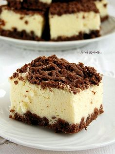 delicious royal cheesecake with cocoa cake (in Polish) Royal Cheesecake Recipe, Cheesecake Bars, Cheesecake Recipes, No Bake Desserts, Dessert Recipes, Royal Cakes, Cocoa Cake, Fun Deserts, Cake Cookies