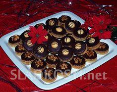 Ořechové dortíčky s karamelovým krémem
