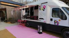 Food truck chez NANA | Localiv.fr Saint Sauveur, Food Truck, Recreational Vehicles, Trucks, Cool Stuff, Tailgating, Take Care Of Yourself, Truck, Home Made