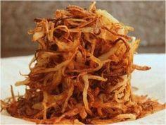 Röstzwiebeln - Selbstgemachte Röstzwiebeln schmecken einfach besser und passen zu etlichen Hauptgerichten oder als Beilage zu Gemüse. Röstzwiebeln...