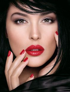 pearl preview Rouge Dior Satin Lipstick print ad photo - classic red lips