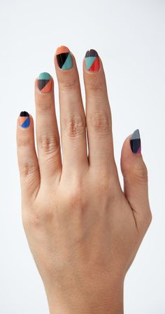Sharp angles, bright colors Great Nails, Fabulous Nails, Love Nails, How To Do Nails, Simple Nail Art Designs, Easy Nail Art, Diy Nails, Fancy Nails, Geometric Nail