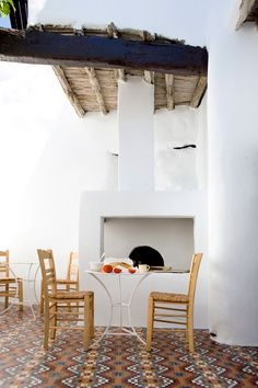 Eclectic traditional greek house design in Skyros by George Carabellas of Porch And Terrace, Terrace Floor, Outdoor Spaces, Outdoor Living, Gazebos, Casa Patio, Interior And Exterior, Interior Design, Greek House