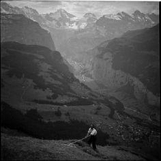 Paul Senn - Bergheuet über dem Lauterbrunnental, um 1935.  Depositum Gottfried Keller-Stiftung © Gottfried Keller-Stiftung, Winterthur.