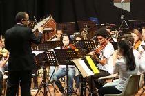 Instrumentistas de projeto social do Paranoá tocam no Teatro Dulcina de Moraes - http://noticiasembrasilia.com.br/noticias-distrito-federal-cidade-brasilia/2015/07/22/instrumentistas-de-projeto-social-do-paranoa-tocam-no-teatro-dulcina-de-moraes/