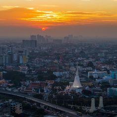 Wat Prayoon วัดประยุรวงศาวาสวรวิหาร #WatPrayoon #Thonburi #MyKrungthep #Bangkok   Sunset at Wat Prayurawongsawat Worawihan