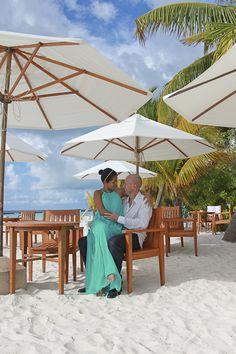 the hand - Wedding at Kurumba Maldives Photo Wedding - Photographer: Mohamed Ezekiel
