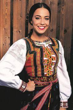 Slovak costumes of various regions vol. 2