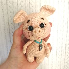 150 Welcome to our photo gallery featuring cute crochet amigurumi toys. We believe that these amigurumi patterns will inspire you. Crochet Pig, Cute Crochet, Crochet Animals, Crochet Dolls, Easy Crochet, Beautiful Crochet, Amigurumi Doll Pattern, Crochet Amigurumi Free Patterns, Amigurumi Tutorial
