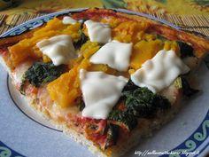 Un trancio di pizza homemade con spinaci e zucca gnammi gnammi