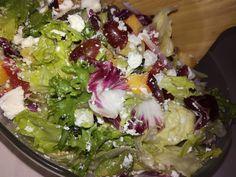 Tupun tupa: Hedelmäinen feta-salaatti