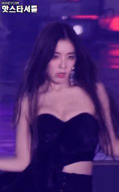 Wendy Red Velvet, Red Velvet Joy, Red Velvet Irene, Pretty Korean Girls, Beautiful Asian Girls, Seulgi, Kpop Girl Groups, Kpop Girls, Victoria Fx