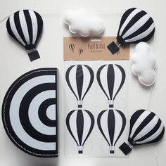 "Gefällt 102 Mal, 11 Kommentare - Kids Boetiek (@kidsboetiek) auf Instagram: ""New! hot air balloon garland. The perfect match with our suitcase and hot air balloon wallstickers.…"""