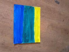 Pintura feita com tinta amarela,verde e azul