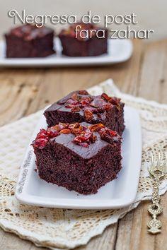Din bucătăria mea: Negresa de post fara zahar Jacque Pepin, Brownies, Food And Drink, Gluten, Cookies, Cake, Desserts, Vegans, Food Ideas