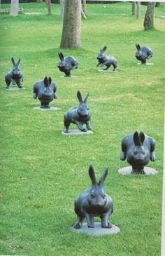 Yabuuchi Satoshi http://www.uwamuki.com/e/museE-f.html  /  http://nyclq-focalpoint.blogspot.nl/2015/04/rabbits-hares-about-spring-bunnies-in.html