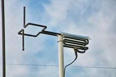 The 2 Meter antenna - A Cycloid Dipole http://www.wa7x.com/cycloid_info.html