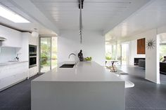 This Double Gable Eichler Remodel by Klopf Architecture is pretty stunning. The Double Gable Eichler is one of my favorites Contemporary House, Eichler Homes, House Design, Home Interior Design, Remodel, Modern Kitchen Design, Home, Kitchen Remodel, Home Remodeling
