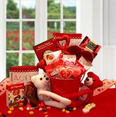 "Tug at the heart strings of someone you really care about! ""I LOVE YOU THIS MUCH"" VALENTINE GIFT SET. #valentinesdaygifts"