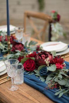 Navy And Burgundy Wedding, Burgundy Wedding Flowers, Navy Wedding Colors, Maroon Wedding, Autumn Wedding Colors, Jewel Tone Wedding, Blue Flowers, December Wedding Colors, Wedding Ideas Blue