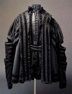 Clothing of Ferdinand I (1574), © Hroby a hrobky našich knížat, králů a prezidentů, Lutovský, Bravermanová, 2007