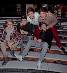 Fetus One Direction, One Direction Images, One Direction Wallpaper, One Direction Humor, 0ne Direction, I Love One Direction, Desenho Harry Styles, Family Show, 1d And 5sos