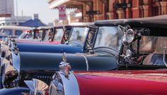 Universo Retrô lança websérie Vintage Lovers. Carros vintage da Ford em exposição na estação da Luz (Foto: Tainá Lossëhelin)