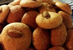 Mézes puszedli Chef konyhájából Muffin, Cookies, Vegetables, Breakfast, Cake, Food, Crack Crackers, Morning Coffee, Biscuits