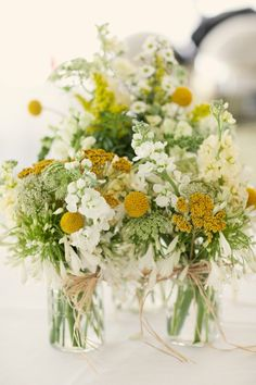 We've found some our favorite DIY wedding flowers, DIY wedding bouquets and DIY wedding centerpieces. Learn how to make your own wedding bouquets with tips for DIY wedding flowers. Wedding Reception Centerpieces, Simple Centerpieces, Wildflower Centerpieces, Centerpiece Ideas, Summer Flower Centerpieces, Wedding Decorations, Centerpiece Flowers, Aisle Decorations, Decor Wedding