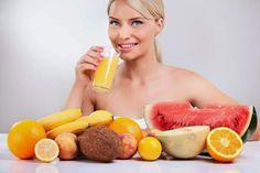 Conheça os dez melhores sucos para desintoxicar, desinchar, emagrecer e secar a barriga. Veja o cardápio completo da dieta dos sucos para perder peso rápido