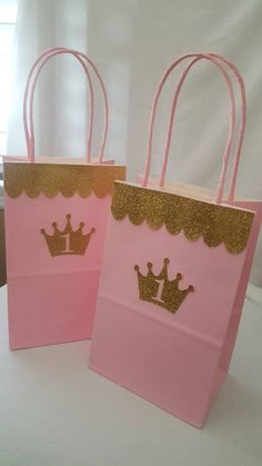 Set of 5 beautiful princess themed goodie bags. Decorated with gold glitter cardstock and personalized with the number or letter of your choice. These match perfectly with all our other pink and gold princess items. **When ordering add the number or letter of your choice in the note to seller section.
