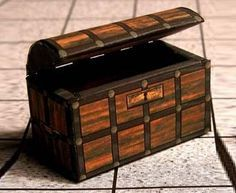 All Kind Of Chests, Coffers And Trunks Paper Models - by Daisy Carpi via Picasa    In this page of Daisy Carpi at Picasa Photo Album you will find more then 25 Chests, Coffers And Trunks miniature paper models, to be used in Dioramas, Doll Houses, RPG and Wargames.