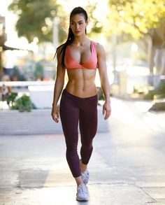 Katelyn Runck is a 27 year old American fitness model from Dakota. Now she is a competing bikini athlete WBFF Pro, online coach and the owner and wellness Hot Girls, Girls With Abs, Ripped Girls, Girls Fit, Sporty Girls, Fit Women, Sexy Women, Musa Fitness, Girls Selfies