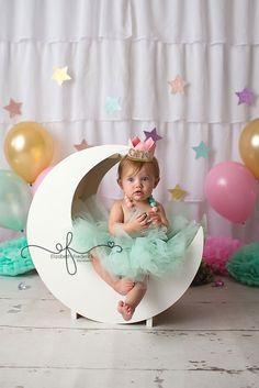 Twinkle Little Star Smash Cake Photography Session   First Birthday Photography Session   CT Smash Cake Photographer Elizabeth Frederick Photography