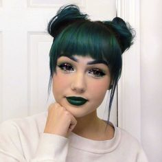pixie hair color, hair color and cut, fringe hairstyles, pixie hairs Pixie Hair Color, Hair Color And Cut, Hair Color Dark, Cool Hair Color, Fringe Hairstyles, Pretty Hairstyles, Hairstyles With Bangs, Scene Hairstyles, Simple Hairstyles