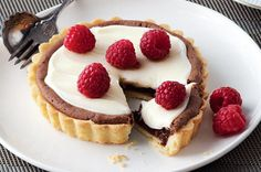Swoon your loved one on Valentine's Day with these rich and indulgent chocolate dessert tarts.
