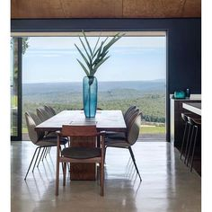 Looking for Italian and Australian Designer Furniture? We have Furniture Stores in Sydney and Melbourne and deliver Australia wide. Visit Fanuli Today!