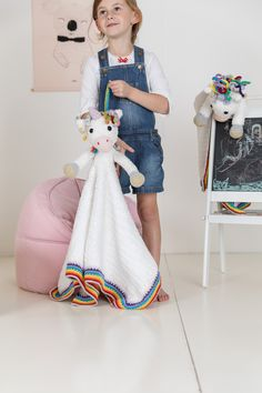 This Woolytoons Cuddle blanket is about 33 x 33 inch 85 cm) and is a cute unicorn amigurumi and a blanket all in one! The pattern is in Dutch, German and English. Your Best Friend, Best Friends, Unicorn Pattern, Cute Unicorn, Cuddle, Dutch, All In One, German, English