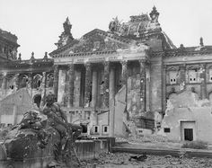 The destroyed Reichstagsgebäude in Berlin, a symbol for the downfall of Germany under the Nazi-Regime 1945 History Online, World History, World War Ii, Berlin Reichstag, Pearl Harbor, Berlin Germany, East Germany, End Of The World, Wanderlust Travel