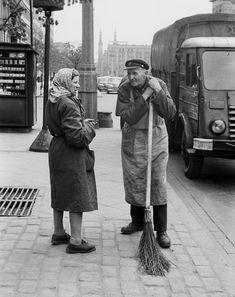 Warszawa, ul. Marszałkowska, widok w kierunku Placu Konstytucji fot.Gerald Howson - 1959