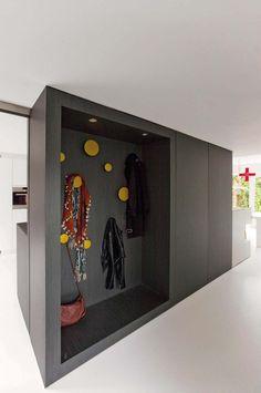 """""""Behind the kitchen"""" (Meterkast en kapstok zijn mooi verwerkt aan achterzijde vh keukenblok.) Open area to kitchen and diningroom. Let's walk around it. Interior architect: @StudioBroens. Photographer: @TISSYPHOTO71"""