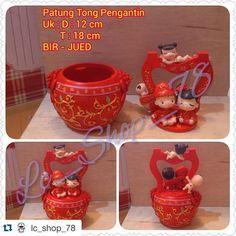 #Repost @lc_shop_78 with @repostapp.  Patung tong pengantin  Ready Stock..  Real Picture.. . contact : BBM : 25F8BAEC (owner)  Line 1 : Sien89 (owner)  Line 2 : Lc_shop_78 (adm 2)  #sale #doraemon #patung #minion #smile #sky #cute #love #red #skyblue #ready #pengantin #follow #miniatur #following  #hellokitty #yellow #botolminum #amazing #shine #beautiful #wedding #paitu #mini #bride #brides #unik #blue #cat  Happy Shopping.. ____ by santi_pheisien http://www.australiaunwrapped.com/