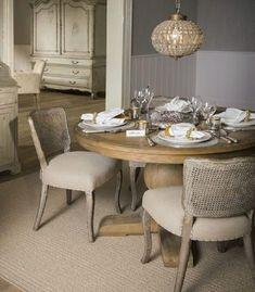 mesa de comedor redonda de madera natural en tamaño grande y pequeña