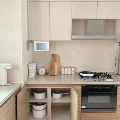 dream in a dream Korean Apartment Interior, Home Interior, Kitchen Interior, Kitchen Design, Kitchen Decor, Japanese Apartment, Apartment Design, Kitchen Ideas, Interior Design