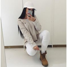 Stylish outfit idea to copy ♥ For more inspiration join our group Amazing Things ♥ You might also like these related products: - Ripped Jeans ->. Teen Fashion, Winter Fashion, Fashion Outfits, Womens Fashion, Outfit Timberland, Timberlands, Look Skater, Outfit Goals, Fall Winter Outfits