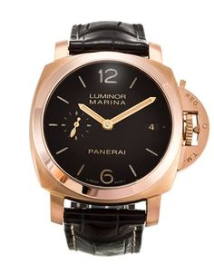 Never really been a fan of gold watches, but I may make an exception for this Panerai Luminor Marina PAM00393 in rose gold!