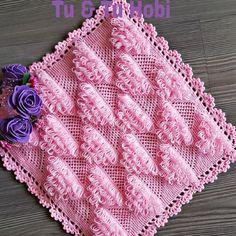 No photo description available. Organizer, Diy And Crafts, Blog, Stitch, Blanket, Knitting, Instagram, Facebook, Crochet Stitches