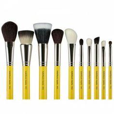 Bdellium Travel Line 10 Piece Mineral Brush Set #bdelliumtools #makeupbrush #mua #makeupbrushkit #beautychamber